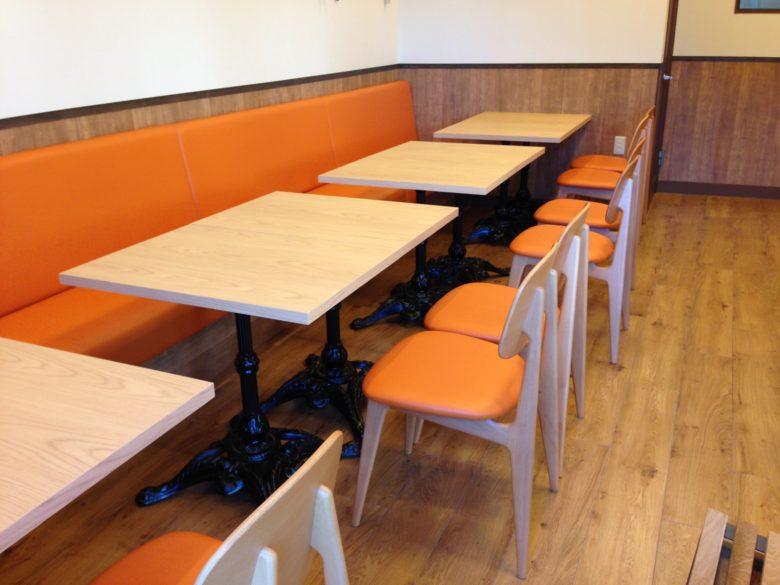 静岡県内カフェ テーブル・イス・ベンチシート