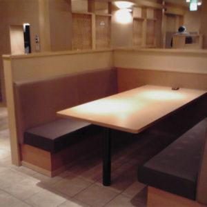 某店舗 ベンチ・テーブル・パーテーション